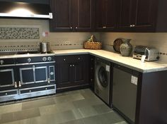 Discreet laundry room in the kitchen