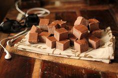 Chocolate Energy Bites / Fat Bombs, sugar free energy bites, sugar free chocolate, #keto #lowcarb