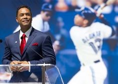 Roberto Alomar was inducted to the Baseball Hall of Fame in 2011. // AP Images