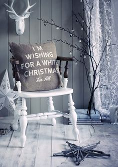 White Christmas: love this except for the fake deer head on the wall (we have… White Christmas, Noel Christmas, Merry Little Christmas, Country Christmas, All Things Christmas, Beautiful Christmas, Vintage Christmas, Christmas Crafts, Christmas Mantles