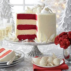 Red Velvet-White Chocolate Cheesecake - The Best Recipes of 2013 - Southernliving. Whimsy meets elegance in all five layers of this red velvet-white chocolate wonder. Recipe: Red Velvet-White Chocolate Cheesecake Watch: Assembling Our White Layer Cake White Chocolate Frosting, Chocolate Cheesecake Recipes, Chocolate Blanco, Chocolate Cupcakes, Chocolate Desserts, Chocolate Cheescake, Chocolate Lovers, Just Desserts, Delicious Desserts