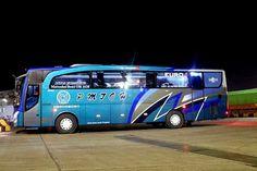 Star Bus, Luxury Bus, Busses, Car Wrap, Custom Homes, Mercedes Benz, Transportation, Tours, Vehicles