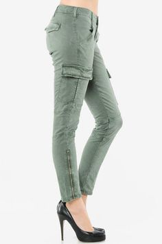 J Brand Houlihan Twill Cargo in Vintage Olive--- I need these really badly!!! GIMMER