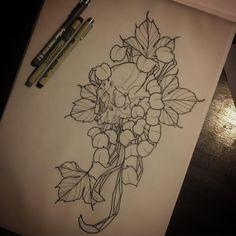 Regardez cette photo Instagram de @karloslloydtattoo • 971 J'aime #illustration #neotraditionel #neotraditional #neo #traditionel #traditional #draw #drawing #tattoo #ink #tattooed #inked #sketch #sketches #men #man #flowers #animals #roses #woman #girl chrysanthemum skull