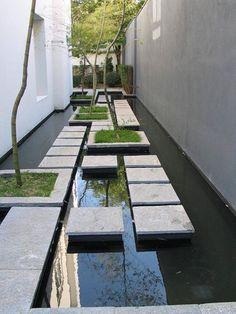 Espejo de agua + andador