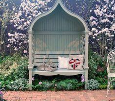 Banc de jardin avec des murs en treillis de toit Pots herbe