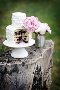 17 Peony Wedding Cake Ideas | Confetti Daydreams - A peony wedding cake with meringue-frosting with a lemon cake, homemade blueberry jam and lemon curd filling ♥ #PeonyCakes #WeddingCakes #PeonyWeddingCakes #Peonies