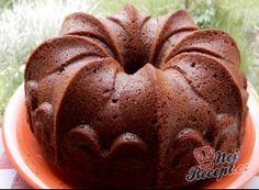 Vláčná bábovka se zakysanou smetanou | NejRecept.cz Slovak Recipes, Czech Recipes, Bunt Cakes, Gingerbread Cake, Pavlova, Pound Cake, Cake Recipes, Food And Drink, Cooking Recipes
