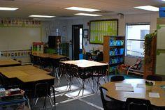 The Learning Tree: Teacher Week- Classroom Tour Update Portable Classroom, Classroom Desk, 2nd Grade Classroom, School Classroom, Classroom Organization, Classroom Management, Classroom Seating Arrangements, Desk Arrangements, Classroom Arrangement