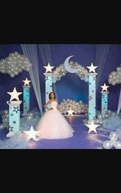 quinceanera and sweet 16 ideas on this site … Quince Decorations, Quinceanera Decorations, Quinceanera Party, Sweet 16 Birthday, 15th Birthday, Birthday Parties, Birthday Bash, Sweet 16 Themes, Cinderella Birthday