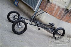consider making design in wood -- or copper pipe Velo Tricycle, Trike Bicycle, Motorcycle Bike, Cargo Bike, Cool Bicycles, Cool Bikes, Assurance Auto, E Motor, Custom Trikes