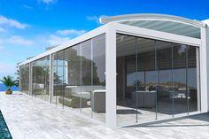 """Un giardino d'inverno moderno realizzato da una pergotenda #aquacomet e le vetrate panoramiche scorrevoli """"amovibili"""" a norma di Legge. ---#chirenti"""