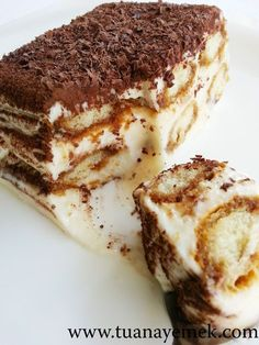 Ingredients: 1 liter of milk 4 heaping tablespoons of flour 15 cups of powder canbey Easy Delicious Recipes, Tasty, Yummy Food, Tiramisu, Turkish Recipes, Ethnic Recipes, Mousse Cake, Food To Make, Food And Drink
