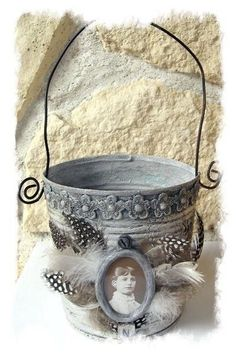 altered tin - could do this with tin cans too - cute shabby chic idea! Altered Tins, Altered Bottles, Altered Art, Tin Can Art, Tin Art, Tin Can Crafts, Metal Crafts, Tin Can Alley, Aluminum Cans