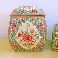 Daher Tin Litho Metal Candy Box Shabby by Somethingcharming, $45.00
