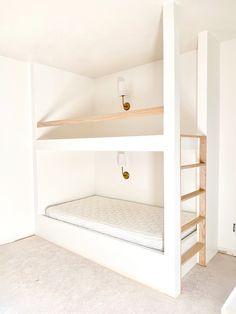Build In Bunk Beds, Built In Beds For Kids, Bunk Beds For Girls Room, Bunk Bed Rooms, Bunk Beds Built In, Big Girl Rooms, Bedrooms, Bunk Bed Designs, Kids Bedroom Designs