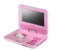 Mit dem tragbaren DVD-Player Hello Kitty der Marke INGO können Ihre Kinder in Zukunft auch unterwegs ihre Lieblingsfilme sehen.    Der mobile DVD-Player im Look der berühmten Katze findet Platz in jeder Tasche.    Ob zu Hause, im Auto oder im Flugzeug sorgt das Gerät stets für Abwechslung.