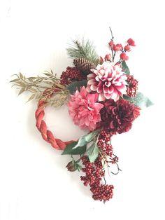 Modern Floral Arrangements, Flower Arrangements, Festive Crafts, Diy And Crafts, Bridesmaid Bouquet, Chinese New Year, Wreaths For Front Door, Flower Crafts, Fresh Flowers