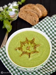 supa-crema-de-broccoli-cu-spanac Yummy Food, Tasty, Raw Vegan, Palak Paneer, Hummus, Foodies, Supe, Recipies, Deserts