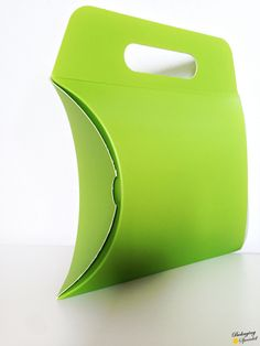 machine Made Folding box. More unconventional #packaging solutions on packagingspecialist.eu/blog