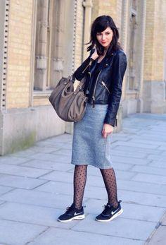 Polka dots tights, grey skirt and sneakers