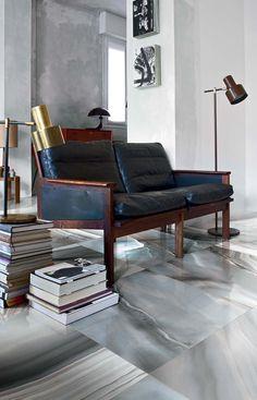 Piastrelle simil marmo ispirate all'alabastro. Ceramiche eleganti con grandi formati lucidi e levigati per rivestimenti marmo pareti interne e pavimenti.