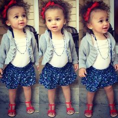 <3awww her adorable curly hair@