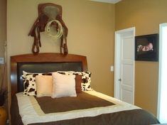 cowboy style westerddecor | Mount your old western saddle to the wall for an instant cowboy ...