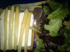 Bocadillo de queso fresco y espárragos para diabéticos