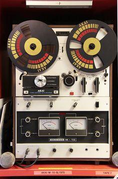 Radios, Big Speakers, Sound Stage, Dj Equipment, Music System, Tape Recorder, Music Images, Hifi Audio, Sound Design