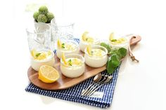 Un postre helado para niños y adultos siempre es un acierto, sobre todo en los días de calor. Haz tu crema helada de limón en 5 minutos y al congelador. Verás que rico queda.