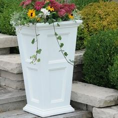 Big outdoor planters and flower pots is what we do! Our goal is simply to offer the largest selection of garden planters, pots and container gardening products. Metal Wall Planters, Tall Planters, Outdoor Planters, Garden Planters, Plastic Planter Boxes, Plastic Pots, Pot Plante, Self Watering Planter, Plant Growth