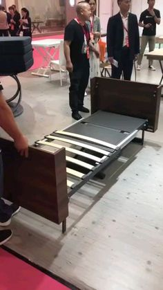 Diy Discover Convertible Coffee Table and Folding Bed Project - diy furniture videos Diy Furniture Videos Diy Home Furniture Folding Furniture Folding Beds Multifunctional Furniture Space Saving Furniture Pallet Furniture Home Decor Signs Retro Home Decor