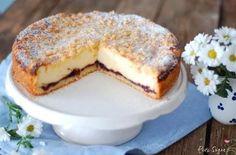 Landfrauen Käsekuchen mit Vanillequark und  Beerenkonfitüre