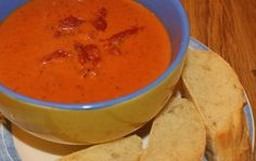 Could this recipe really rival Heinz cream of tomato soup? Heinz Tomato Soup, Tomato Chilli Sauce, Cream Of Tomato Soup, Tomato Soup Recipes, Roasted Onions, Paleo Soup, Plum Tomatoes, Food And Drink, Healthy Eating