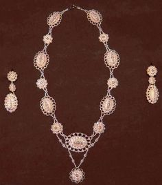 SEED PEARL NECKLACE & EARRING SET, c. 1830