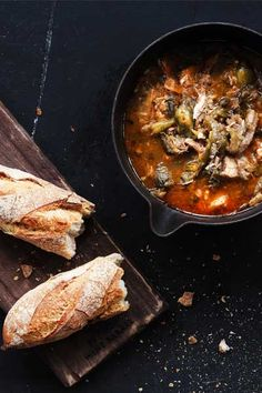 Try this delicious recipe for Waterblommetjie and Pork Knuckle soup. A traditional South African ingredient used in a contemporary warm winter dish. Oven Chicken Recipes, Dutch Oven Recipes, Cooking Recipes, South African Recipes, Ethnic Recipes, Winter Dishes, Smoked Pork, Jamaican Recipes, Fresh Bread