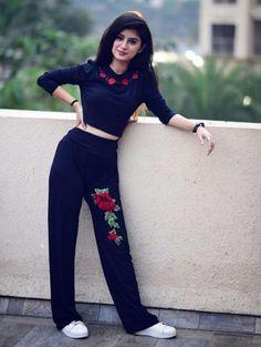 Jumpsuit, denim dress, chudidar: Outfits you want to steal from Arishfa Khan& Wardrobe Teen Girl Poses, Cute Girl Poses, Cute Girl Pic, Girl Photo Poses, Girl Photography Poses, Girl Photos, Hd Photos, Girl Pics, Stylish Photo Pose