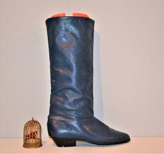Vintage Pixie / Retro / Mod / Western Style / Navy Blue Dexter Boot Shoe Horn, Vintage Boots, Shoes Sandals, Heels, Western Style, Dexter, Cowboy Boots, Pixie, Riding Boots