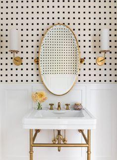 Residential Interior Design, Bathroom Interior Design, Interior Design Wallpaper, 1930s House Interior, Restroom Design, Chic Bathrooms, Modern Bathroom, Small Bathrooms, White Bathroom