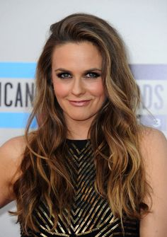 25 Caramel Hair Colors That Are The Biggest Trends Of This Year Butterscotch Hair Color, Hair Color Caramel, Alicia Silverstone, Pelo Color Caramelo, New Hair, Your Hair, Bronde Hair, Bombshell Beauty, Hollywood