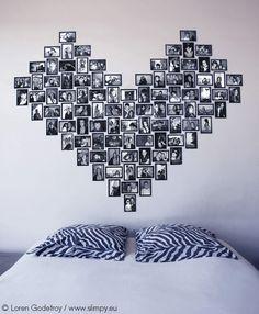 Affichage mural sans clou ni vis de 96 photos format 10x15 réalisé avec 12 modules Coeur noirs