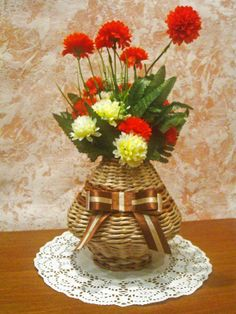 плетеная вазочка