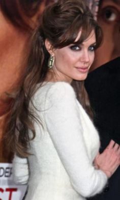Angelina-Jolie-Half-Up-Half-Down-Hair.jpg (276×460)