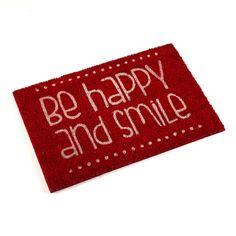 """Felpudo color rojo """"Be happy and smile"""" #felpudo #frase #casa #versa   Red doormat """"Be happy and smile"""" #doormat #phrase #home #versa"""