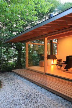 猿投の家|横内敏人建築設計事務所 Small Japanese House, Japanese Home Design, Japanese Style House, Modern Buildings, Modern Architecture, Bedroom Minimalist, A Frame House Plans, Small Space Interior Design, Small Modern Home