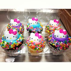 Hello Kitty Cupcake Inspiration (Love the colors! get some yourself some pawtastic adorable cat shirts, cat socks, and other cat apparel by tapping the pin! Torta Hello Kitty, Hello Kitty Cupcakes, Hello Kitty Birthday Cake, 2nd Birthday, Birthday Parties, Birthday Cupcakes, Birthday Ideas, Hello Kitty Themes, Fondant Toppers