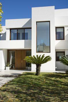 Duplex House Design, House Front Design, Dream Home Design, Metal Building Homes, Building Exterior, Building A House, Narrow House Plans, Luxury Modern Homes, Model House Plan