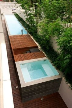 Mini Pool Gardening Ideas For Your Small Backyard Swiming Pool, Cool Swimming Pools, Swimming Pool Designs, Mini Pool, Modern Hot Tubs, Modern Bathtub, Langer Pool, Swimming Pool Architecture, Garden Architecture