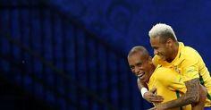 Berita Bola: Neymar Gol, Brasil Hajar Kolombia -  http://www.football5star.com/berita/berita-bola-neymar-gol-brasil-hajar-kolombia/85712/